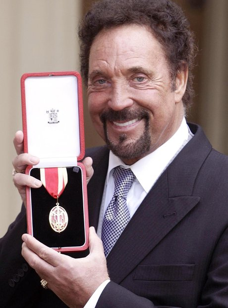 tom jones knighted
