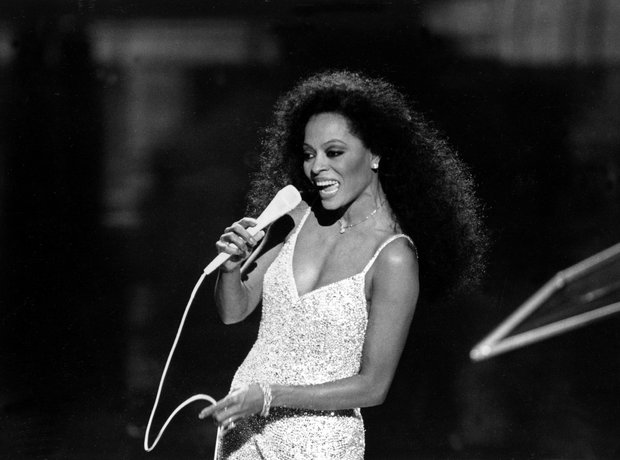 The Most Iconic Oscars Dresses Diana Ross